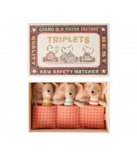 Trillinger i æske - Baby mice Triplets in matchbox